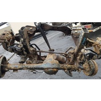 2000 Isuzu 2WD axle set E16000