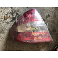 Toyota Prius Hybrid 2001 left side back light E15136