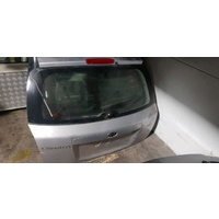 2005 Kia Cerato back door tail gate in silver