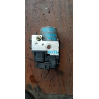 Toyota Camry ACV30 ABS pump module V01591