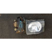 Mitsubishi Pajero front head light set 98 type E19668