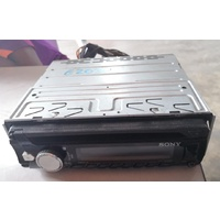 Sony single din CD player with AUX E20367