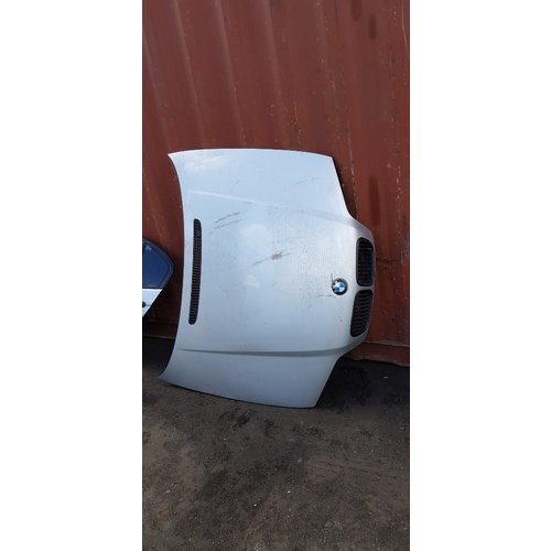 Bonnet BMW 2001 E46 3 series e17101